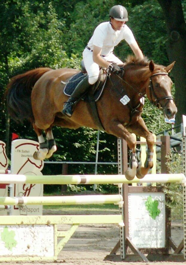 Gerold Gögele auf seinem Pferd Scarlett 598 beim Reitturnier des RC Hagen am 17.08.2012