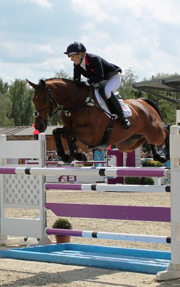Zara Phillips mit ihrem Pferd High Kingdom beim CCI4* Luhmühlen 2013