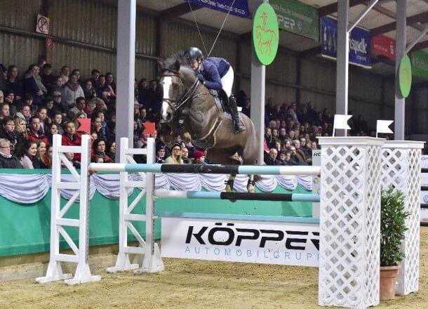 Jumpten zum Sieg in Gahlen: Die Luxemburgerin Charlotte Bettendorf und der französische Hengst Queltis. (Foto: Fotodesign Feldhaus)